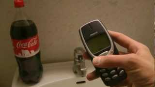 Nokia 3310 - Coca-Cola Test