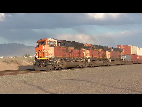 [2S] BNSF Southern Transcon Part 2/4: Desert Trains, Railfanning Belen, NM, 04/15/2016 ©mbmars01