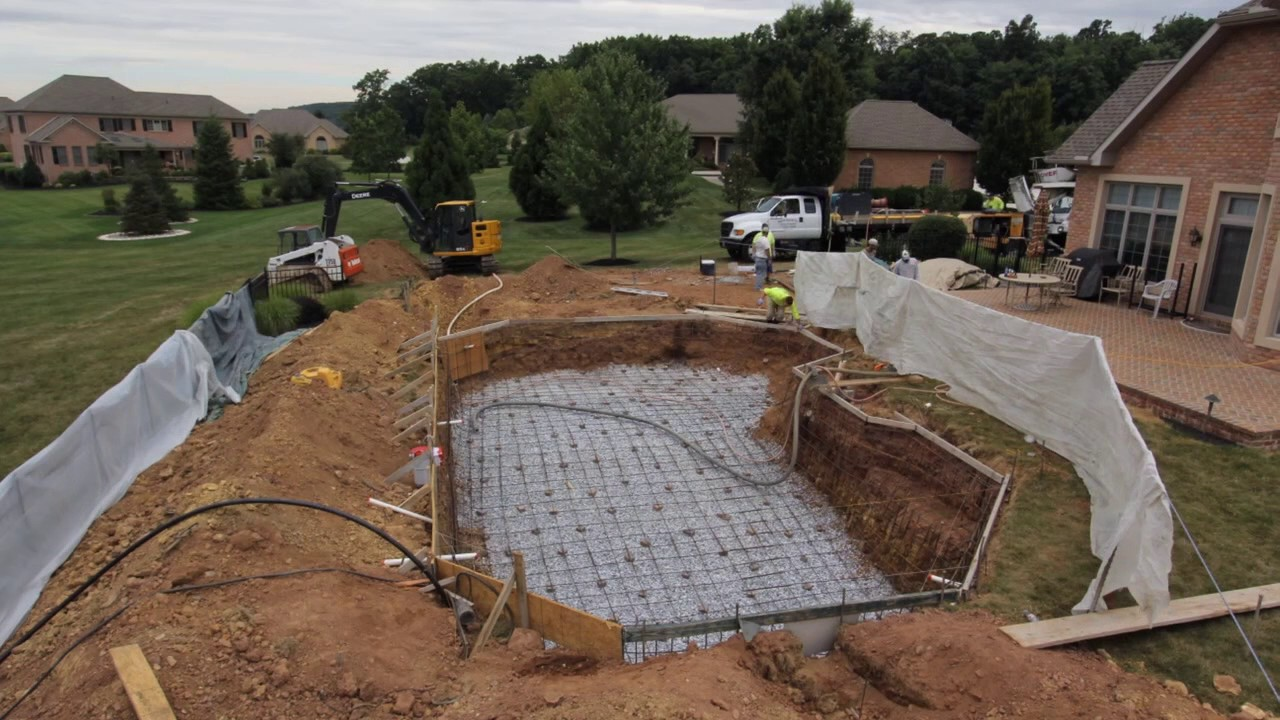 Time-lapse video concrete swimming pool installation