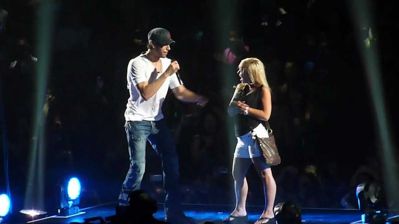Download Enrique Iglesias - Hero - Live concert Minneapolis 2012