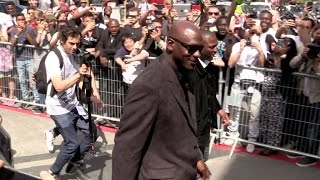 Michael Jordan going to the Palais de Tokyo in Paris