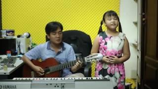 Guitar Cover - Huyền Thoại Mẹ - Bé Ngọc Nhi ( 8 Tuổi)