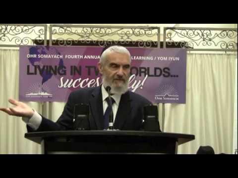 Rabbi Akiva TATZ Living In 2 Worlds Ohr Somayach 2017 04 08
