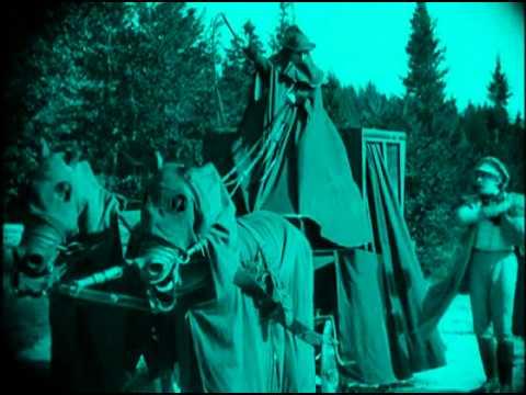 "Nosferatu, Cinemix par Eric Pajot/Radiomentale : extrait ""L'arrivée au château"""