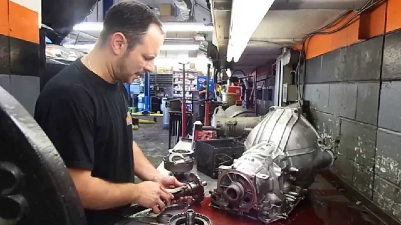 tear down ford 4r70w automatic transmission disassembley [ 1280 x 720 Pixel ]