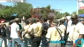 Policía comunitaria retiene en Guerrero a jefe policiaco por vínculos con el crimen