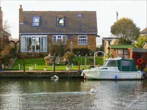 Waterside Home on the River Thames For Sale - Shepperton, Middlesex