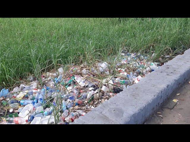 Suriname:nog steeds veel afval gedeponeerd  aan de Waterkant