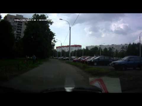 Проезжая часть превращается в тротуар..офигеть!))