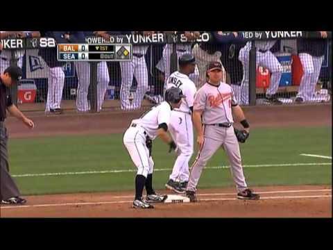 2009/06/02 Ichiro extends his hit streak - YouTube