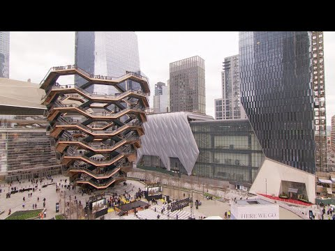 The Woody Show - Massive Spiral Staircase Opens to Tourists in New York