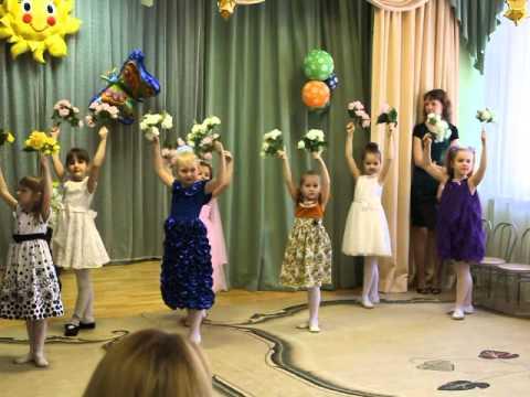 Сценарий праздника для мам и бабушек 8 Марта (1-й класс)