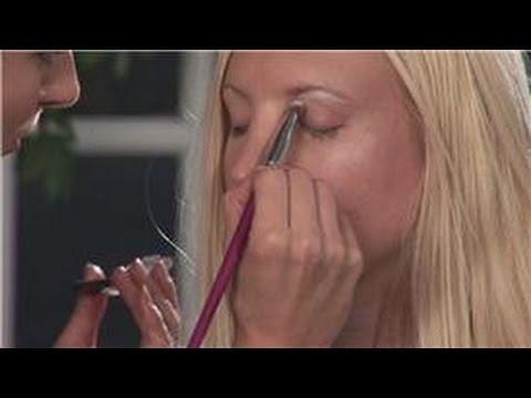 Eye Makeup: How to Apply Eye Shadow on Blue Eyes