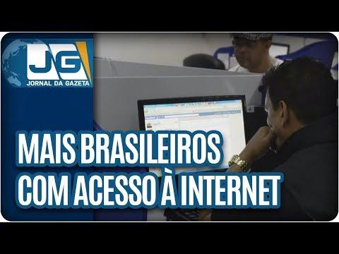 Sobe o número de brasileiros com acesso à internet, principalmente por celulares