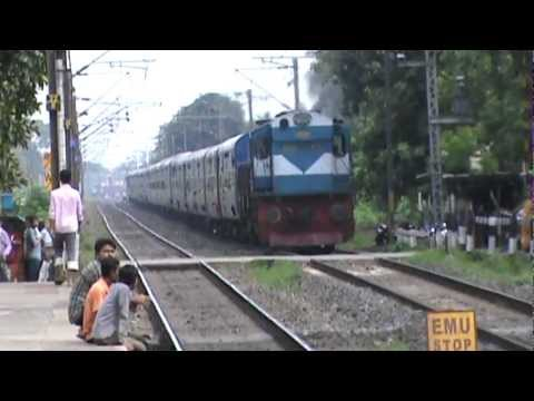 Furiously Chugging Devil 3D Hauls Ernakulam- Guwahati Express, Aka World's 23rd Longest Train!!!