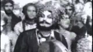 Kurukku Vazhiyil Vaazhvu Thedidum