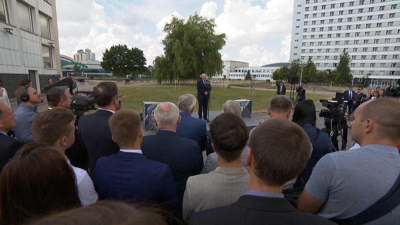 Лукашенко: я готов к диалогу с оппонентами власти, но на провокации ответ будет соответствующий