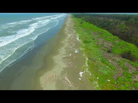 鹿耳門溪口到曾文溪出海口海岸沙灘現況。好多的保麗龍汙染。 Tainan, Taiwan 2018/7/20