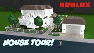 ROBLOX- FAMILY ROLE-PLAY HOME IN BLOXBURG! (TOUR!!)