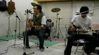 スタジオ練習にて.