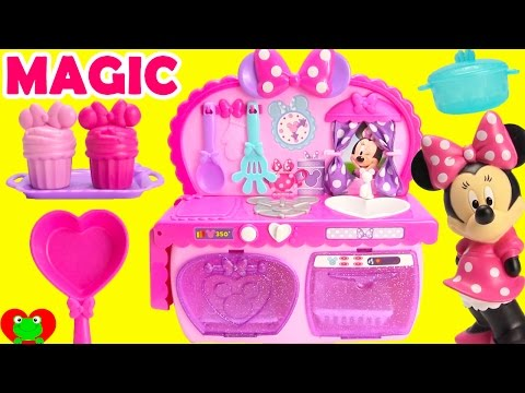 Cooking With Minnie Mouse's Magical Kitchen Surprises