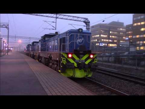 Fenniarail veturijuna VET17002 3x Dr18 101,102 ja 103 ohittaa Lahden rautatieaseman