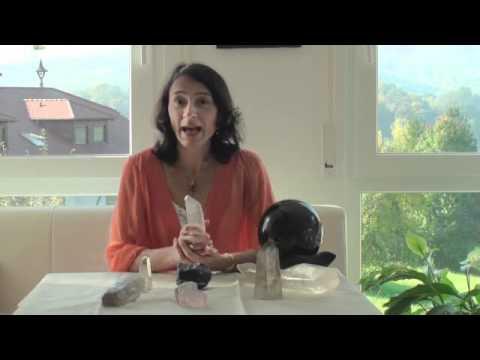 heilsteine und deren wirkung bergkristall youtube. Black Bedroom Furniture Sets. Home Design Ideas