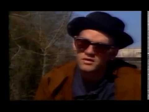 Michael Stipe of REM on Rapido 1991 Losing My Religion