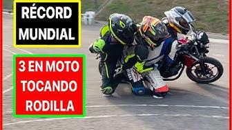Imagen del video: MOTOS: ¡Récord mundial! 3 en moto y tocando rodilla