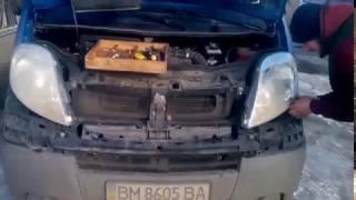 Как снять бампер и оптику с Opel Vivaro или Renault Trafic(Как снять бампер и оптику с Opel Vivaro или Trafic Renault ? Нашие видео вам покажет! Снимаем левый или правый клычек..., 2017-01-29T20:33:47.000Z)