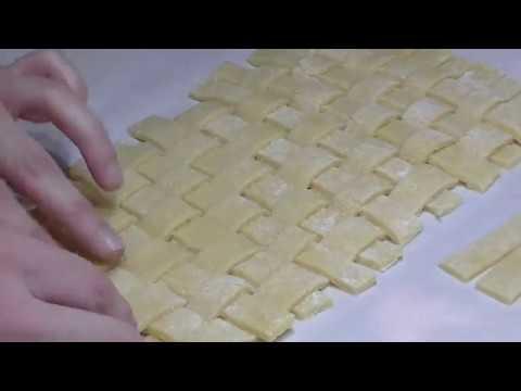 Come Fare Un Reticolo Per Crostate Perfette Con La Pasta Frolla Intrecciata Youtube