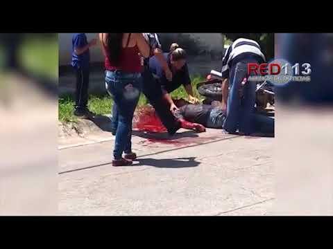 VIDEO Pistoleros atentan contra motociclista y lo dejan gravemente herido en Sahuayo