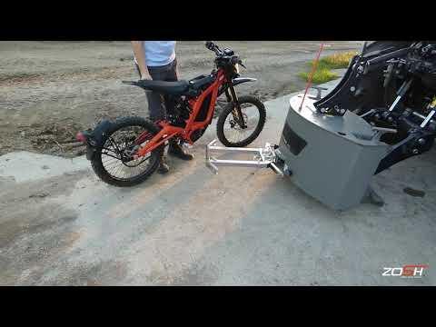 Moto électrique COCHET. Support Sur Tracteur