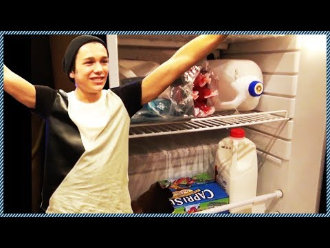 Austin Mahone - What's in my fridge? - Mahomie Madness Ep. 34