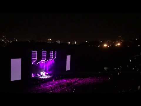 Ed Sheeran - LOVE YOURSELF By Justin Bieber 2019 LIVE (URUGUAY)
