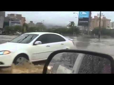 DESBORDAMIENTO DEL RÍO CABRIALES - TRAS LLUVIAS REGISTRADAS (MIÉRCOLES 20-04-2016) - EDO. CARABOBO