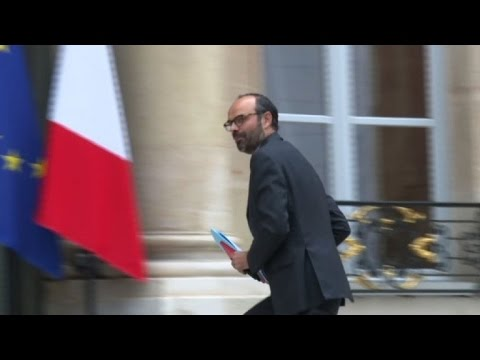 French ministers arrive for first meeting with Emmanuel Macron