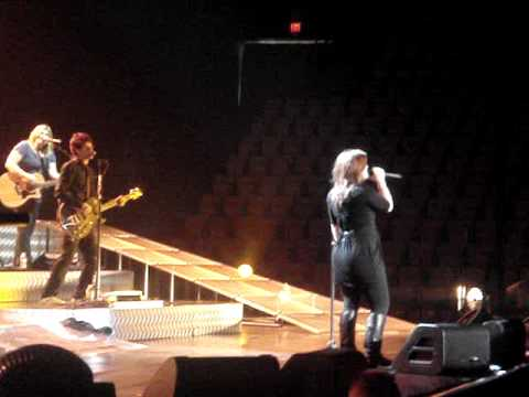 Kelly Clarkson - Breakaway - Live at the Patriot Center/ Fairfax VA - 10/09/2009