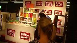 Luca Hänni Autogrammstunde bei Office World