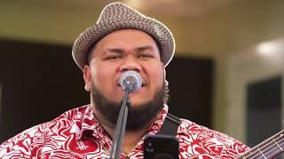 ハワイ州観光局 Josh Tatofi - Pua Kiele