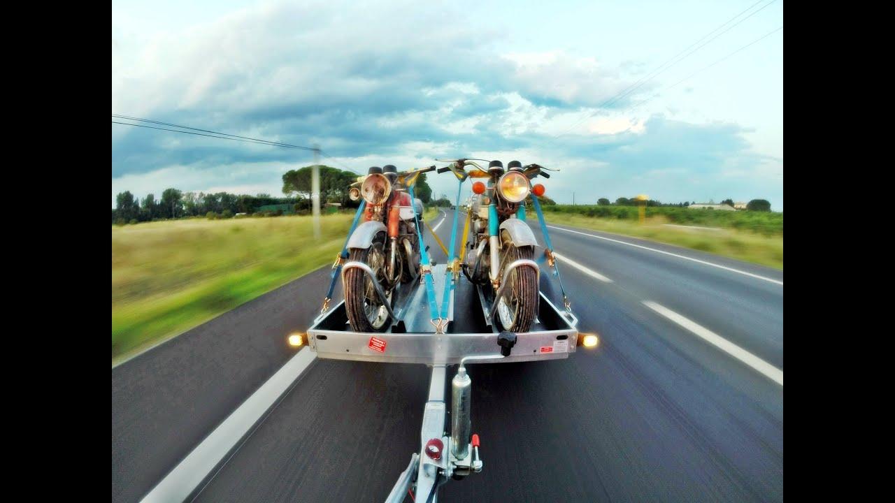 M thode d 39 utilisation d 39 une remorque porte motos mod le for Porte u moto