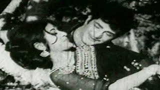 Kathanayakudi Katha Songs - Cheppana Oka Chinna Maata - NTR - Vanisri