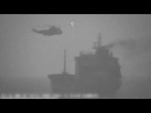 فيديو: الجيش الأمريكي يتهم إيران بالاستيلاء على ناقلة نفط قرب مضيق هرمز…  - نشر قبل 5 ساعة