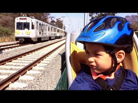 FAST LA Metro Expo Line Trains Along New Bike Path - Go Metro!