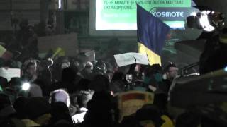 Mai multi protestatari au fost batuti de jandarmi langa Teatrul National - 15 ianuarie 2012