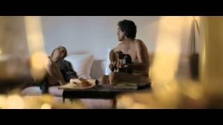 Elles (2011) -  Alicja singing Les Feuilles Mortes