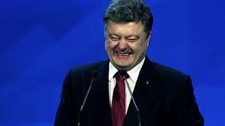 """Народ кричит Порошенко: """"Когда же ты нажрешься!"""""""