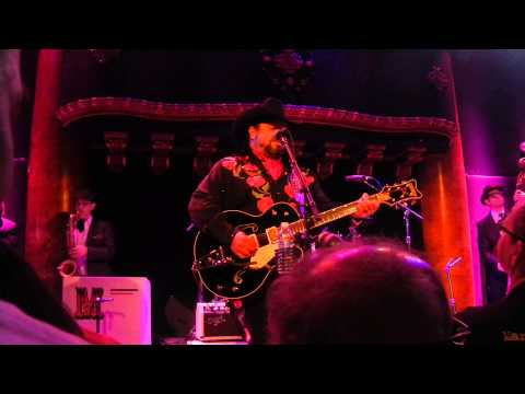 THE MAVERICKS AT THE GREAT MUSIC HALL...