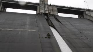 20160820内村ダム堤体下から thumbnail