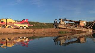 Грузовой эвакуатор Обнинск. Подъем на берег затонувшего земснаряда(, 2016-08-07T14:02:36.000Z)